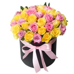 """Цветы в коробке """"Розы ассорти"""""""